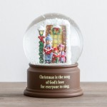Carolers Snow Globe
