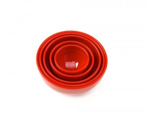 red measuring bowls